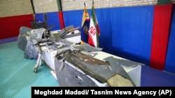 ایران ادعا کرده که این پارچههای طیارۀ بیپیلوت امریکایی است که در خاک این کشور سقوط داده شد. June 21, 2019