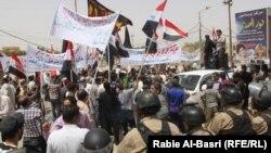 تظاهرة امام القنصلية التركية في البصرة