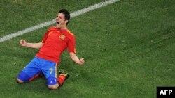 Давід Вілья святкує гол у ворота Португалії на чемпіонаті світу 2010 року