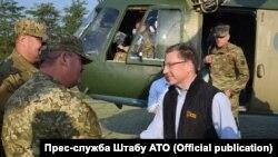 Курт Волкер прибыл в Донбасс.