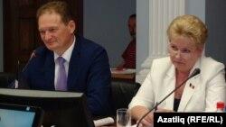 Удмуртия депутатлары: Энвил Касыймов һәм Наталья Сударикова