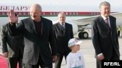 Александр Лукашенко, проигнорировавший саммит ОДКБ в Москве, в Киргизию все-таки приехал