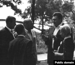 Виктор Янукович с советниками – фотография из досье Пола Манафорта