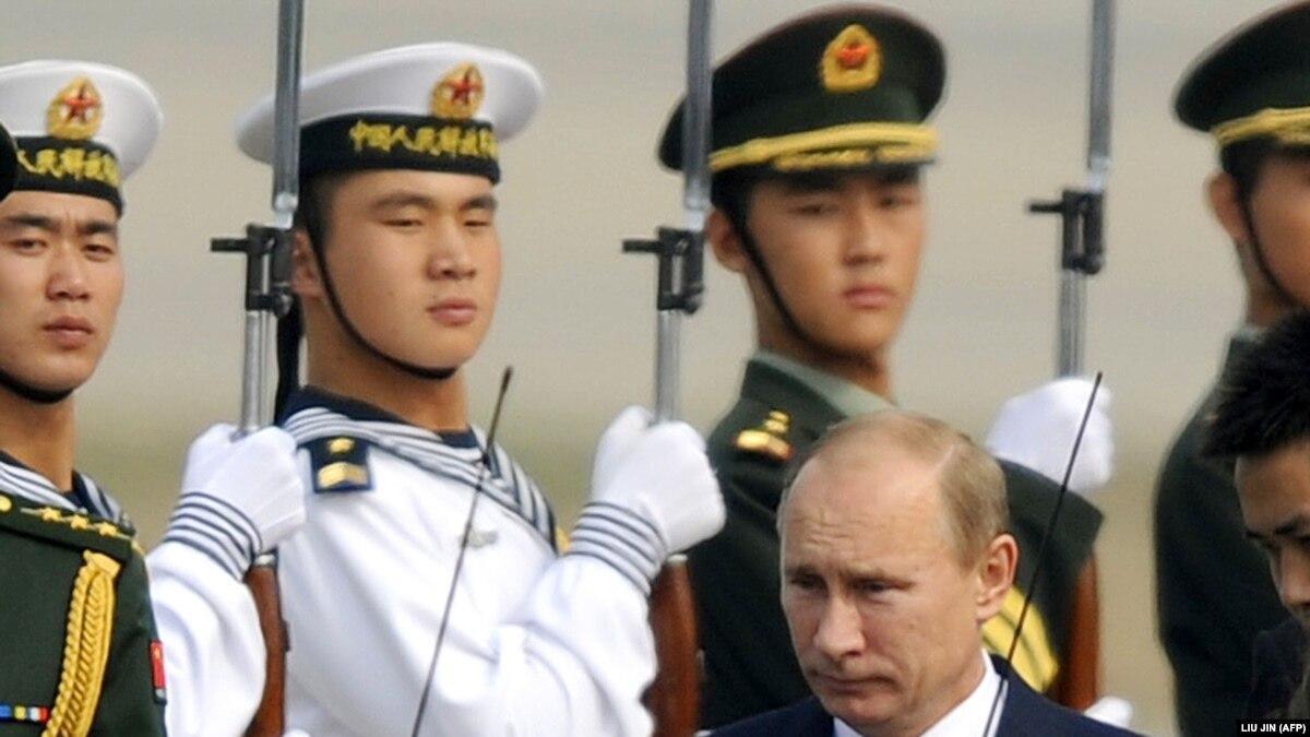 Присоединения Китая к санкциям помогло бы России «определиться» относительно мира с Украиной – Веселовский
