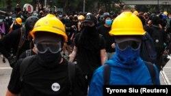 Հոնկոնգ - Ցուցարարները պատրաստվում են ոստիկանների հարձակմանը, 14-ը հուլիսի, 2019թ․