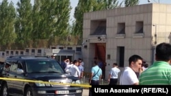Kyrgyzstan's Deputy Prime Minister Zhenish Razakov said the suicide bomber rammed his explosives-laden car into the gate of the Chinese embassy and detonated the explosives.