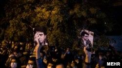 تجمع شهروندان در مقابل بیمارستان جم تهران