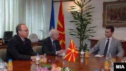 Една од средбите на премиерот Никола Груевски и посредникот во спорот за името Метју Нимиц