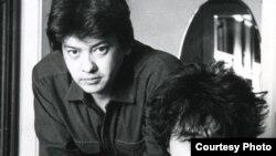 Director Rashid Nugmanov (left) and the late Russian rock singer Viktor Tsoi