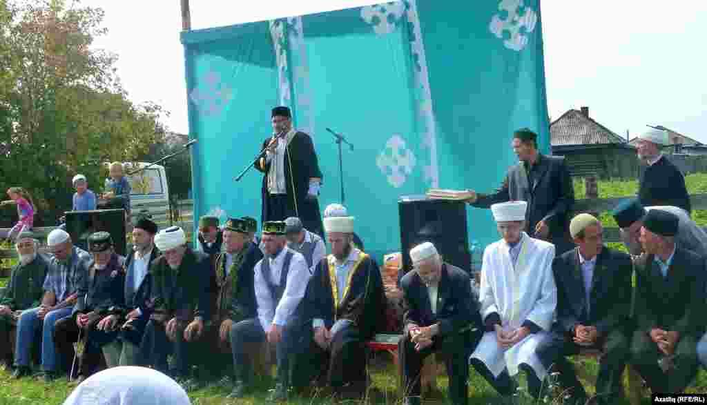 Омски имамы Әлфир Әхәтов
