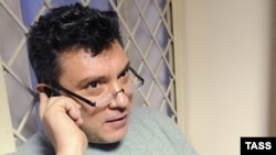 Opposition leader Boris Nemtsov in a Moscow court on January 3