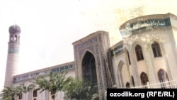 В прошлом году Духовное управление мусульман Узбекистана из-за пандемии коронавируса приняло решение отменить коллективные ифтары и не проводить таравих-намазы в мечетях.