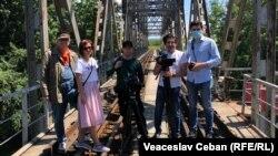 Parte din echipa de producție a documentarului, de la stânga la dreapta-Vasile Botnaru, Eugenia Crețu, Alexei Golubev, Oleg Captarenco și Nicu Gușan