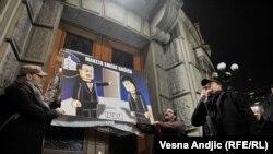 Protest novinara i fotoreportera ispred Vlade Srbije