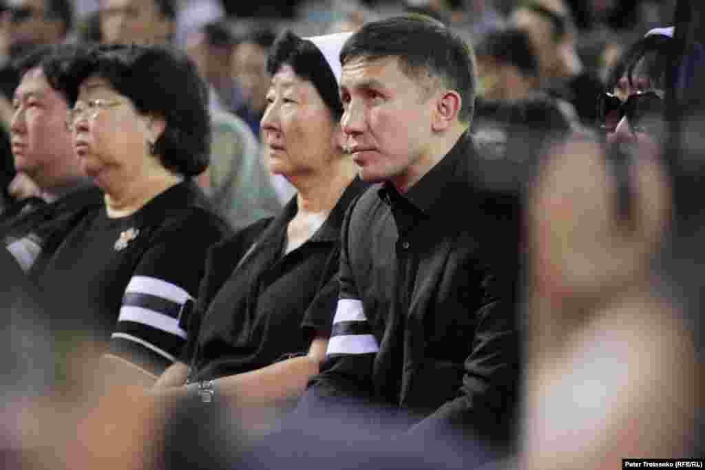 Чемпион мира по боксу Геннадий Головкин во время церемонии прощания с Денисом Теном.