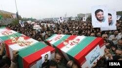 تشییع جنازه کشتهشدگان در انفجار پادگان سپاه