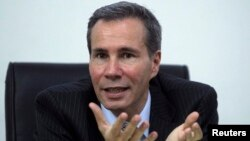 Аргентинскиот обвинител, Алберто Нисман.