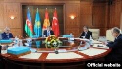 Президент Ислом Каримов 1992 йилда тузилган ташкилот йиғинларига ҳеч қачон қатнашмаган.
