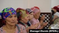 Организованный многодетными матерями ауызашар в столовой при мечети «Нур Гасыр». Актобе, 14 мая 2019 года.