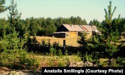 Здание тюрьмы комендантской зоны Локчимлага в поселке Аджером