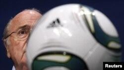 Kreu i Federatës Ndërkombëtare të Futbollit, Sep Blater - foto arkiv