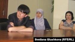 Участники встречи с имамом Джорджтаунского университета США Яхьей Хенди. Астана, 20 июня 2012 года.