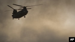 Американский военный вертолет Chinook