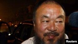 Ай Вэйвэй, китайский диссидент. Пекин, 21 июня 2012 года.