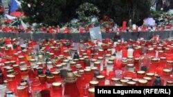 Свечи в память о Вацлаве Гавеле
