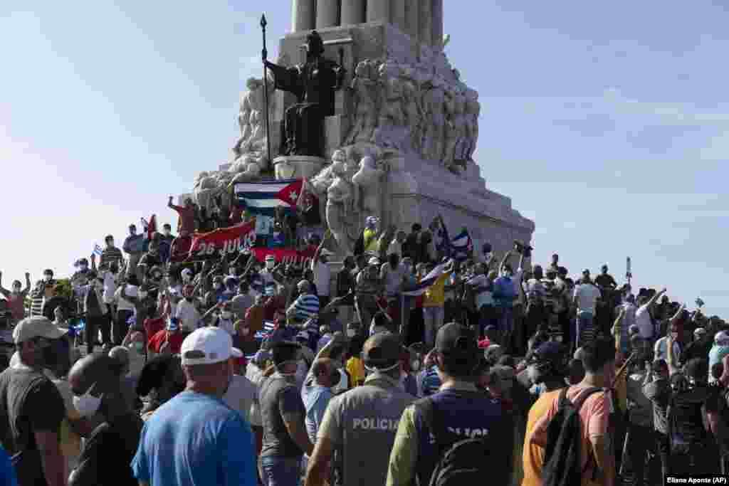 Последний раз антиправительственные демонстрации состоялись на Кубе почти 30 лет назад