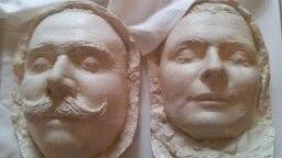 Посмертные маски Франца Фердинанда и Софии, выставленные в замке Конопиште под Прагой