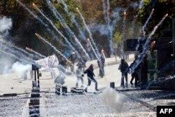 Анкарадағы күрдтермен полиция қақтығысы. 2014 жылдың қазаны. (Көрнекі сурет)