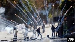Столкновение демонстрантов с полицией. Анкара, 9 октября 2014 года. Иллюстративное фото.
