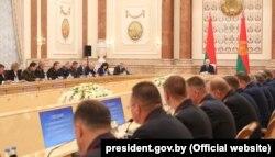 Аляксандар Лукашэнка выступае перад прадстаўнікамі праваахоўных органаў 20 жніўня
