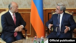 Armenia - President Serzh Sarkisian (R) meets with Yukiya Amano, director general the International Atomic Energy Agency, in Yerevan, 19Apr2012.