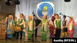 """""""Асылъяр"""" фольклор ансамбле чыгыш ясый"""