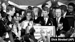 Роберт Кеннеди выступает перед сторонниками за несколько мгновений до гибели