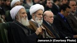 موحدی کرمانی (چپ) در یکی از نشستهای اصولگرایان پیش از انتخابات مجلس دهم