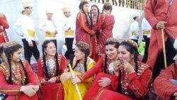 Türkmenistandaky bilim problemasy: Çäreler bilimden yzagalaklyga getirýär