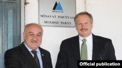Robert Cekuta Musavat Partiyasının başqanı ilə görüşür (arxiv fotosu)