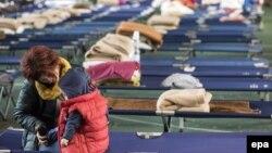 Երկրաշարժից հետո Իտալիայի բնակիչներին տեղափոխել են ժամանակավոր կացարաններ, արխիվ