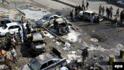 همزمان با ورود سربازان آتازه نفس مريکايی به عراق، دو بمب در شهر بغداد منفجر شد و دست کم هفت غير نظامی کشته شدند