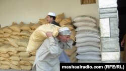 -- Khyber official launch urea and seeds distribution among farmers, 23Nov2011