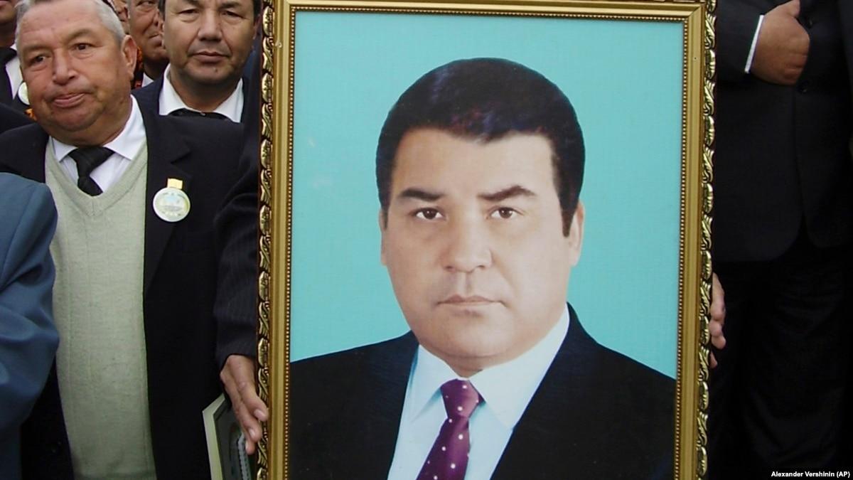 Власти Туркменистана ограничила памяти президента Ниязова