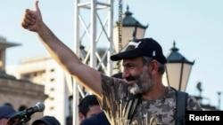 """Никол Пашинян, Армениядағы оппозициялық """"Елк"""" саяси блогының жетекшісі."""