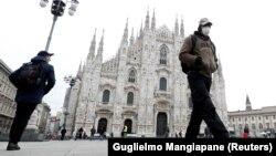 Площадь перед Миланским собором, 5 марта 2020