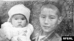 Али с племянницей