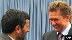 آلکسی میلر، مدیر عامل شرکت گاز پروم پس از امضای توافقنامه همکاری با ایران با رییس جمهوری اسلامی دیدار کرد.(عکس: AFP)