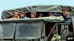 قوات لبنانية تخلي سكان منطقة قريبة من الحدود مع سوريا