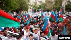 Azerbaijan -- A rally in front of the Iranian Embassy in downtown Baku, 11May2012 .